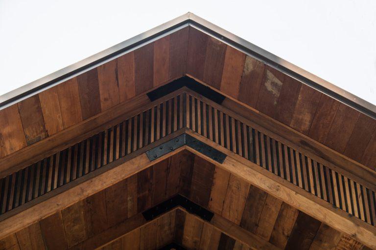 Pourquoi choisir un toit en bois?