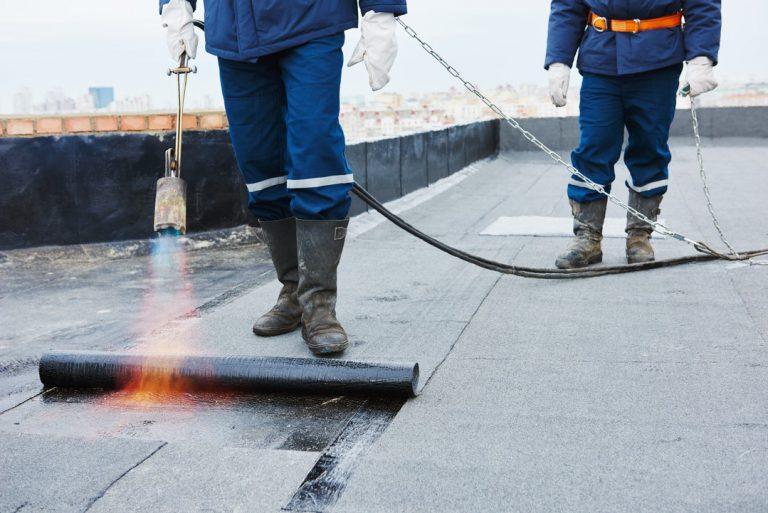 Les produits bitumés pour rendre sa toiture étanche