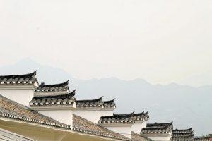 Les ornements et finitions de toit